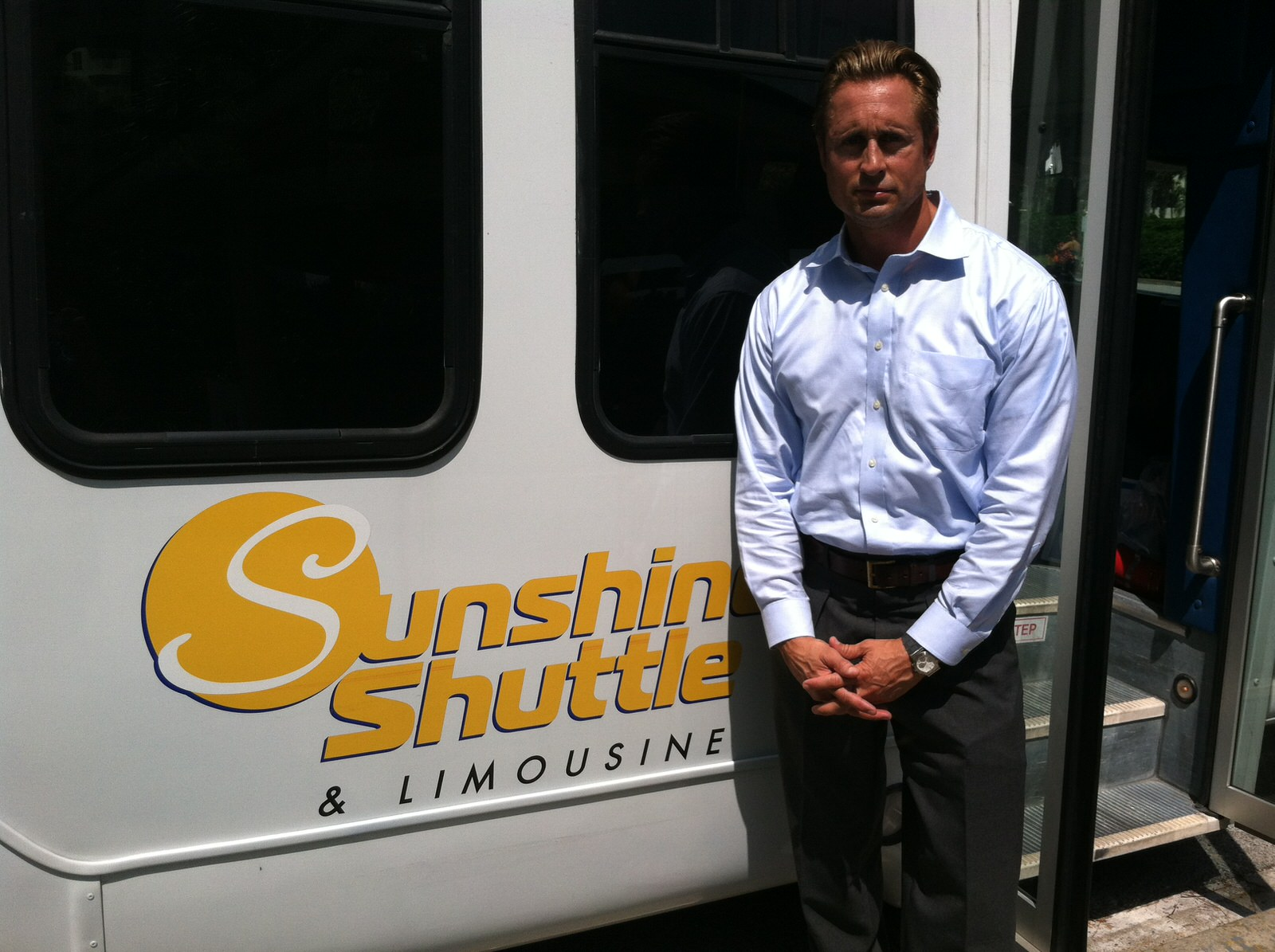 sunshineshuttle4 - Home